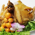 Gà cúng luộc – Nguyên liệu: Gà mái tơ thả vườn