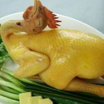 Phương pháp luộc gà vàng ươm, không bị nứt