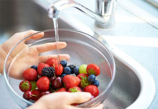 Hướng dẫn khử thuốc trừ sâu ở rau củ
